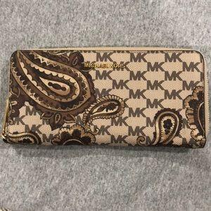 Michael Kors Brown Paris wallet barely used.